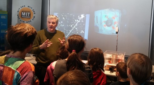 EAPS Professor John Marshall explains the physics of atmospheric circulation with Weather in a Tank. Credit: Cassie Martin